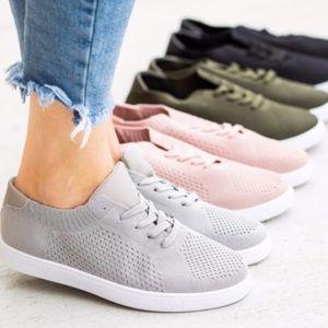 BRITNI GREY Sneakers